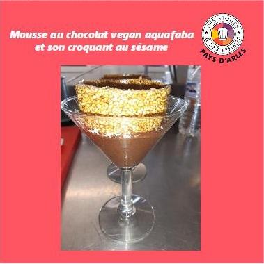 Mousse au chocolat vegan aquafaba et son craquant au sésame